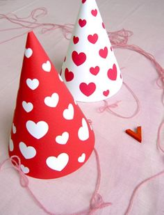 CITYMOM.nl <3 Mr. Printables: printable-party-hat-valentines
