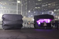 The architects of Make Architecture came up with two remarkable, flexible, foldable kiosks. First unfolded during last month's Ice Sculpting Festival in Canary Wharf, the kiosks are based on the principles of Japanese art of origami, though they are not made of paper, but of aluminium panels.