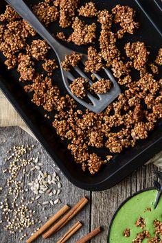 Blissful Buckwheat Granola Clusters (Oil-free & vegan & uses almond pulp) Vegan Snacks, Healthy Treats, Vegan Food, Healthy Food, Healthy Eating, Brunch, Vegan Breakfast, Breakfast Recipes, Buckwheat Recipes