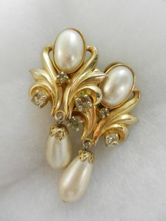 Special wedding - 1960 Vintage Earrings -Stunning with crystals and pearls on gold - for the bride chic--Art.424/2-
