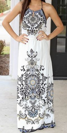 Im too short but this is so pretty! Why oh why dont they make maxis for shorties??