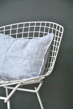 COUSSIN en lin Rayures Marine et Blanc Linge Particulier pour Le RepèRe des BeleTtes