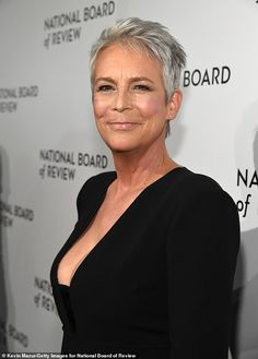 The Golden Globe winner just celebrated her wedding anniversary with British Baron husband Christopher Guest Jamie Lee Curtis Young, Hollywood Actresses, Actors & Actresses, Halloween Jamie, Christopher Guest, James Lee, How To Apply Blush, Old Movie Stars, Lynda Carter