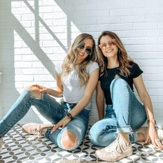 Niacinamide is one of the MVPs of skin care. So we're here to break this ingredient down so you know exactly what it is and how it works! Niacinamide Benefits, Skincare Routine, Mom Jeans, Glow, Skin Care, Fashion, Moda, Fashion Styles, Skins Uk