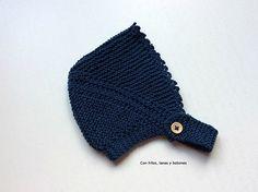 Con hilos, lanas y botones: DIY cómo hacer una capota a punto bobo para bebé paso a paso (patrón gratis) Kids Hats, Baby Knitting, Knitted Hats, Free Pattern, Winter Hats, Beanie, Crochet, Fashion, Baby Knits