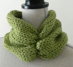 Ruched Knit Cowl.  Free Pattern! #knitting #pattern #free www.myknittingnook.com