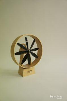 Wooden Fan - electric fan, birch plywood, Sunghyun An … Wood Furniture, Furniture Design, Wooden Fan, Bois Diy, Portable Fan, Desk Fan, Electric Fan, Life Design, Wooden Crafts