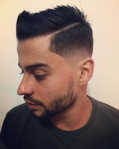 Match your cool hairstyle with an iconic low taper. See how you can modify this trend when you check out these low taper fade haircuts! Bald Taper Fade, Low Taper Fade Haircut, Low Bald Fade, Undercut With Beard, Pompadour Style, Wavy Curls, Comb Over, Facial Hair, Face Shapes