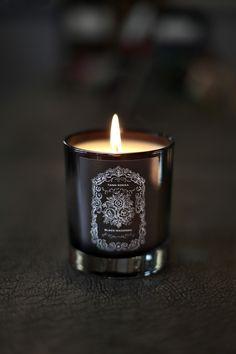 Invictus handpoured très parfumée moyenne Candle Jar