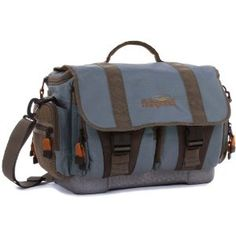 The fishpond name is well known for quality when it comes to fly fishing bags, and the cloudburst gear bag is no exception and lives up to the reputation that fishpond have gained.  quality fly fishing bags