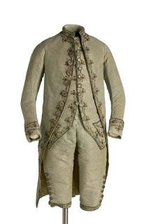 1770 - 80 Set consists of jacket, waistcoat and breeches of velvet green celadon carved. It is decorated with embroidery winding silk, sequins, powders and glasses that draw floral patterns. At the start of each loop is a floral with a white glass. 18th Century Dress, 18th Century Costume, 18th Century Clothing, 18th Century Fashion, Vintage Outfits, Vintage Fashion, Rococo Fashion, Dress Attire, Period Outfit