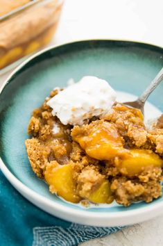 This homemade paleo peach cobbler is the best! Healthy, gluten free, and vegan it's made with fresh peaches and has hints of cinnamon. Easy and simple to make it's the perfect summer dessert. #cobbler #peach #paleo #vegan Healthy Peach Cobbler, Peach Crumble, Dairy Free Treats, Paleo Treats, Paleo Recipes Easy, Real Food Recipes, Paleo Dessert, Healthy Desserts, Dessert Recipes