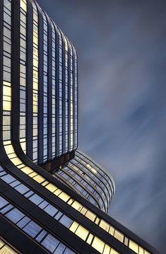 Zebra Tower, Warszawa (Warsaw), autor Konrad Grymin