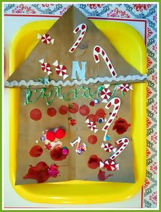 susan akins posted Gingerbread House Craft to their -Preschool items- postboard via the Juxtapost bookmarklet. Preschool Christmas Crafts, Classroom Crafts, Christmas Activities, Preschool Ideas, Kids Christmas, Teaching Ideas, Playgroup Activities, Kindergarten Christmas, Advent Activities