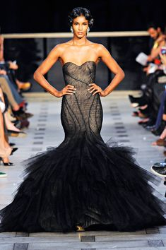 Zac Posen sheer dream  #runway #beauty #style #fashion #design #hautecouture  #klout  #socialmedia #socialnetworks #pinterest Zac Posen, Couture Fashion, Runway Fashion, Fashion Show, High Fashion, Fashion Music, Fashion Styles, Fashion Drug, Elite Fashion