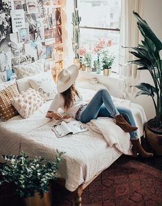 Nyc Apartment | By Tezza @urbanoutfitters #uoHome http://rstyle.me/n/cpkh22bnwe7