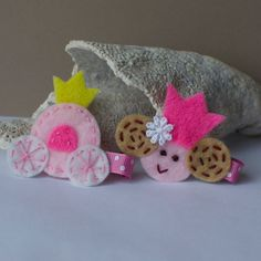 princess and carriage hair clip