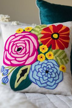 This gorgeous floral accent pillow is bright and cheerful and is the perfect addition to your home decor and best of all, it's made by you! Needle felting is a fun and stress-relieving art form and at the end, you'll have a gorgeous spring pillow. With this kit, you fill in a printed fabric picture with wool. This is the needle felt equivalent to working with an embroidery or cross-stitch pattern and is similar to paint-by-number but with fiber. Floral Pillows, Linen Pillows, Needle Felting Tools, Fabric Pictures, Decor Ideas, Craft Ideas, Flower Pillow, Happy Flowers, Handmade Decorations