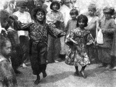 Dancing - #Gypsies #Bohemians #Travelers