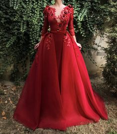 red prom dresses hand made flowers evening dresses lace appliques long sleeve detachable train evening gowns arabic formal dresses Red Wedding Dresses, Lace Evening Dresses, Elegant Dresses, Pretty Dresses, Evening Gowns, Beautiful Dresses, Lace Dress, Bridesmaid Dresses, Prom Dresses