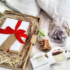 Gift Wrapping, Instagram Posts, Gifts, Food, Gift Wrapping Paper, Presents, Wrapping Gifts, Essen, Meals