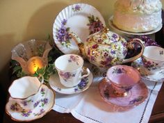 http://i524.photobucket.com/albums/cc326/ArtGirl_2008/Teacup%20Thursday/IMG_1416.jpg