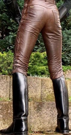 As the title of my site says, I'm a leather bootlicker in Nebraska. I'm into boots, leather, and uniforms. I'll try to answer all questions submitted. Mens Tall Boots, High Leather Boots, Biker Leather, Leather Blazer, Sexy Boots, Brown Leather, Men's Boots, Mens Boots Fashion, Leather Fashion