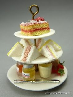 "Paris Miniatures: Made some scones while looking forward to the next High Tea! / En attendant le prochain ""High Tea"""