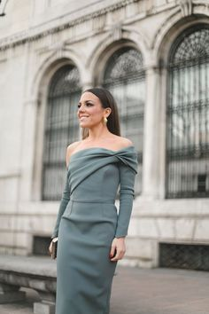 Final week, the eighth version of the Ladies Right now Awards was held … Casual Dresses, Fashion Dresses, Formal Dresses, Outfit Elegantes, Look 2018, Cocktail Outfit, Bridesmaid Dresses, Prom Dresses, Elegant Outfit