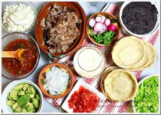 Sopes, recipe with step by step pictures.