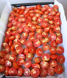 Tomatoes waiting to be roasted