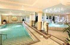 Therme Schwimmbad mit Thermalbad im Kur Hotel und Wellness Hotel Bad Füssing Bayern