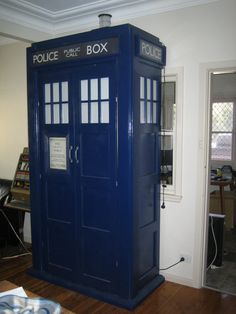 Custom Dr Who Tardis. My next DIY project. Gonna revamp a cupboard.