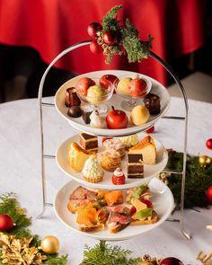 Afternoon Tea Set 1800yen(+tax)ㅤㅤㅤㅤㅤㅤㅤㅤㅤㅤㅤㅤㅤ 雪だるま⛄️のマカロンやサンタクロースを模した苺🍓などクリスマス気分を存分に味わっていただけるデザインとなっております🎄 ㅤㅤㅤㅤ ご予約は下記予約サイト、ホームページまたはお電話にて承っております。 Table Settings, Table Decorations, Place Settings, Dinner Table Decorations, Tablescapes