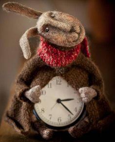 Дважды в день даже стоящие часы показывают правильное время, говорил капитан Врунгель. Часовых дел зайка Маруси Новокрещеновой тоже с этим согласен.