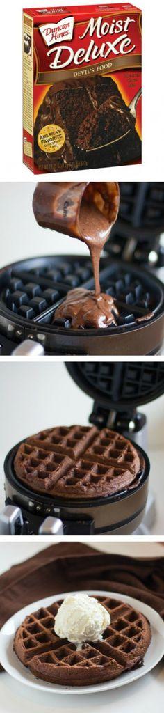 Heerlijke chocoladewafels Makkelijk zelf te maken met een pak voor chocoladecake Lekker met zelfgemaakt ijs erop!