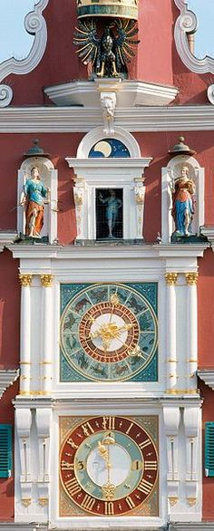 German: clock facade Altes Rathaus Esslingen