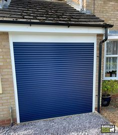 With an electric roller garage door you can enter your home in style. Garolla's roller shutter doors come in 21 different colours. To find out more about our roller door service & garage door fitters, click the link. Garage Door Paint, Garage Door Decor, Garage Door Makeover, Garage Door Design, Garage Doors, Roller Doors, Roller Shutters, Electric Rollers, Modern Windows
