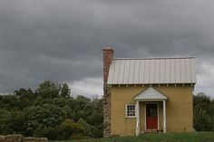 Small house on hill by caseymultimedia, via Flickr
