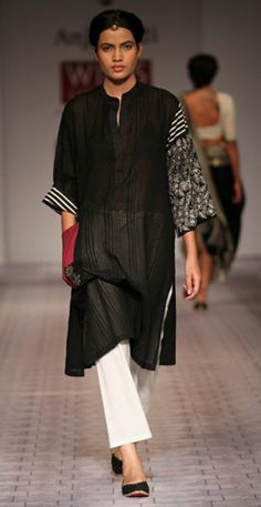 Anju Modi, note the differing sleeves and the red pocket, very playful Lakme Fashion Week, India Fashion, Indian Attire, Indian Wear, Indian Dresses, Indian Outfits, Kurti Styles, Stylish Dresses For Girls, Kurta Designs
