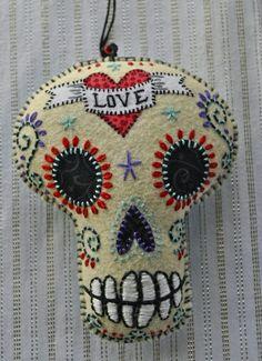 Day of the Dead.felt skull with embroidery All Souls Day, Day Of The Dead Art, Art Textile, Mexican Folk Art, Felt Ornaments, Skull Art, Pin Cushions, Felt Crafts, Needle Felting