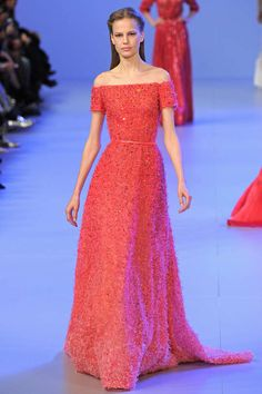 Runway / Elie Saab / Paris / Frühjahr 2014 HC / Kollektionen / Fashion Shows / Vogue