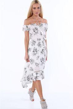 53a4e0ca2c Sukienka w kwiaty z odkrytymi ramionami kremowa