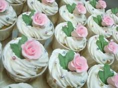 flower cupcakes - Google Search