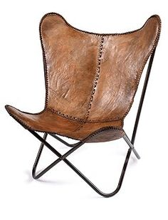 Butterfly Stuhl Schöner Klassiker ganz edel mit braunem Leder bezogen. Der Stuhl wird zerlegt geliefert und hat braune Metallbeine.