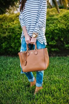 Striped long sleeve top with casual denim // effortless style wear. Look At You, Up Girl, Casual Fall, Autumn Winter Fashion, Winter Style, Fall Fashion, Kendra Scott, Passion For Fashion, Just In Case