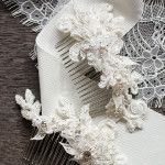 Darling+Details+|+Small+lace+bridal+hair+combs+in+ivory