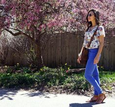 Spring Outfit! #women #outfitoftheday #casual #ootd #spring #flowers ------ Outfit de Primavera! #mujer #casual #outfitdeldía #primavera #blusa #flores #colores #estilo