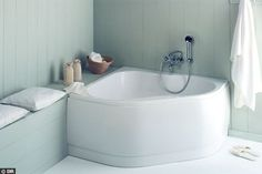 Une baignoire d'angle 120x120