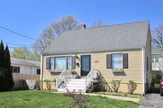 121 Prince St., Fairfield $429,000 – Classic Cape | This bright and lovingly updated 3/4 bedroom cape features spacious rooms for ease of living. The first floor includes living room, dining room, den/4th bedroom, updated eat-in-kitchen w/large pantry and full updated bath. The second floor incorporates 2 family bedrooms, master with sitting room/extra closet and full updated bath with laundry.